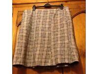 Lovely Wallis 20 lined skirt