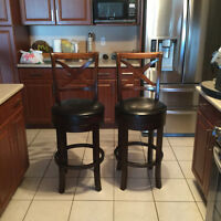 2 SWIVEL WOOD BAR STOOLS