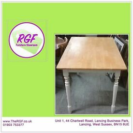 SALE NOW ON!! Pine Dining / Kitchen Table - Can Deliver For £19