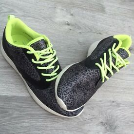 Womens/Teens Trainers from New Look size 6
