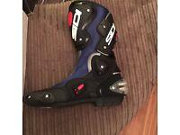 Sidi Vertigo motorcycle boots size 9/91/2