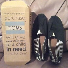 Toms size 10 good condition boxed