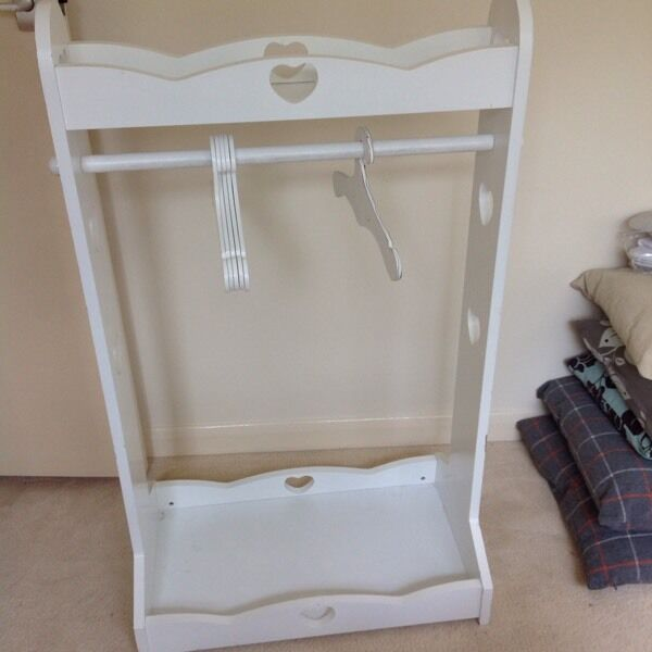 gltc white kids clothes rail in lyndhurst hampshire. Black Bedroom Furniture Sets. Home Design Ideas