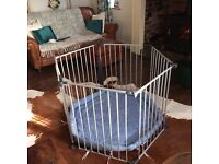 3 in 1 playpen / fire guard / room divider