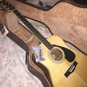 1982 Yamaha acoustic ( stored since new)