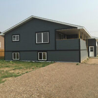 NEW HOUSE PRICED TO SELL **Grassy Lake**