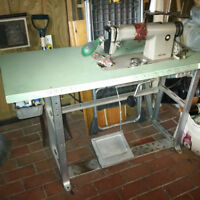 Juki 552 - Machine a coudre/Sewing machine