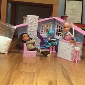 Snow kissed brat dolls snow lodge
