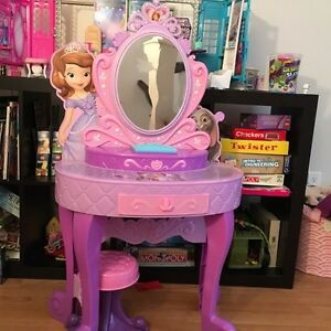 Dressing Table And Mirror Kijiji Free Classifieds In