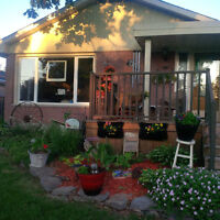 3BR BUNGALOW IN EAST END
