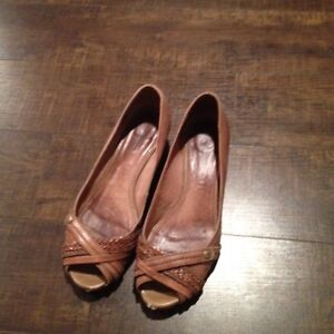 Lots of brand name shoes for sale