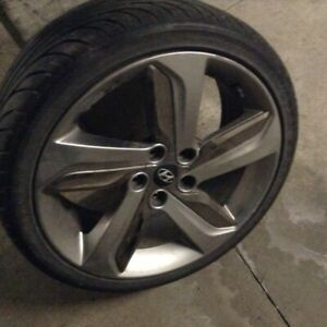 215/40/ZR 18 Summer tires with Veloster mags