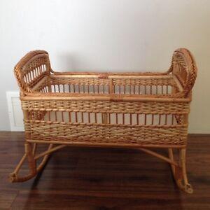 Wicker cradle