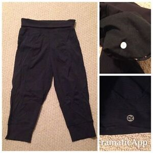 Authentic Lululemon In Flux Crops Size 6 - LIKE NEW!