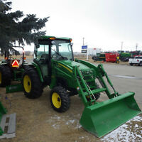 2007 John Deere 4720 4wd Compact tractor w/ cab & loader!