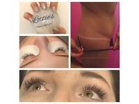 Spray tans // lash extensions // shellac // gel nails // London // semipermanent eyelash extensions
