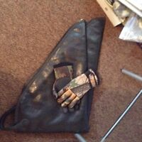 Bow and arrow case with gloves small