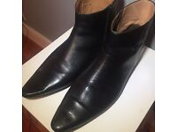 BLACK LEATHER CHELSEA BOOTS - UK 12