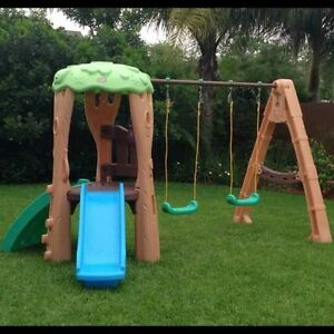 Little Tikes Balançoire et glissoire Tree House Swing Set