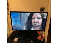 """32"""" Samsung LED full HD freeview built in"""