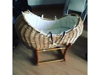 Moses basket (pod) and stand