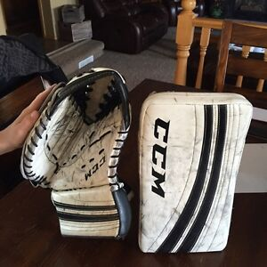 Youth right hand glove and blocker