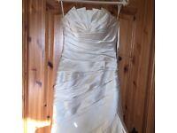 Luxury Ivory wedding dress