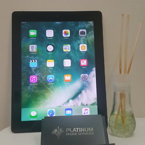 IPAD 4 64GB AWSOME CONDITION AND PRICE! Southport Gold Coast City Preview