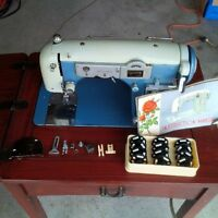 white 465 sewing machine with table