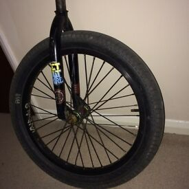 Bmx front wheel and forks