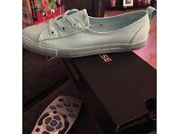 Brand new size 4 converse