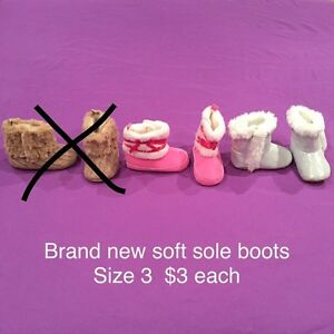 Baby girl size 3 Robeez, soft sole boots