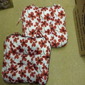 2 poppy cushion pads