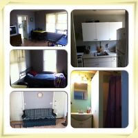 Main-floor bachelor apartment in downtown area