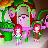 STRAWBERRY SHORTCAKE PLAYSET BY HASBRO 08 AND 11 INCL. 62 PIECE