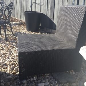 Wanted: matching wicker patio furniture