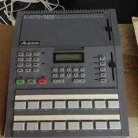 Vintage 16 bit drum machine