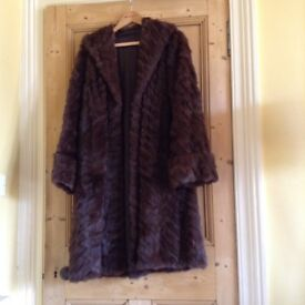 Lovely vintage fur coat from 1960s (size 14)