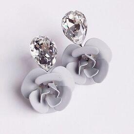 Pair of Faux Crystal Flower Stud Earrings