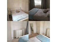 Lovely double room in shared house in Bridgend