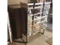 NEW BOXED STUNNING MIRRORED 5 DRAWER CHEST