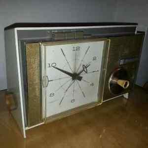 radio réveil AM WESTINGHOUSE antique 1961