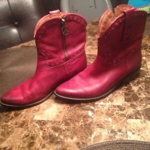 Red peace cowboy boots