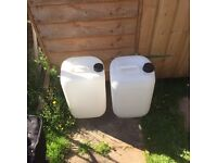 25 litre water containers
