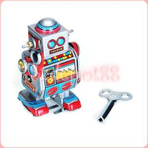 Vintage Tin Toy Robot -Wind up Space Toy // 1970s 80s