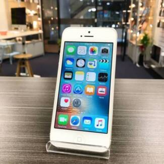 MINT CONDITION IPHONE 5 64GB BLACK / WHITE INVOICE WARRANTY