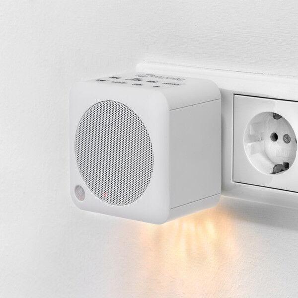 Steckdosenradio, Bluetooth Box / NFC / UKW Radio / 30 Watt / weiß / Nachtlicht