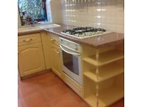 Full kitchen...DELIVERY FOR FREE LEEDS -WAKEFIELD, Serious buyer. ONLY PLEASE.