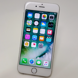 IPHONE 6 16GB SILVER/GOLD IN VERY NICE CONDITION Southport Gold Coast City Preview