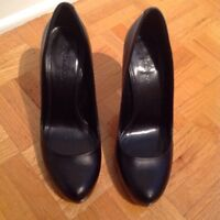Leather shoes with red soles